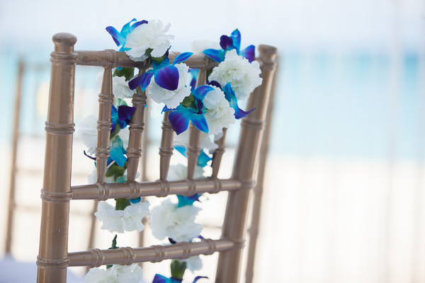 Floral & Decor in Grand Cayman South Indian Destination Wedding by Daria Keenan Photography