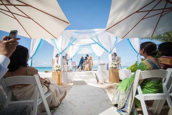 Ceremony in Grand Cayman South Indian Destination Wedding by Daria Keenan Photography