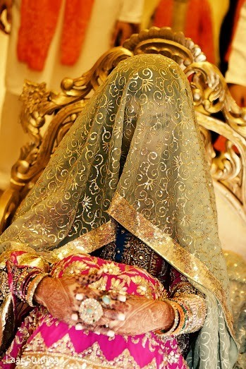 indian wedding mehndi party,indian wedding mehndi,mehndi night,indian wedding ceremony programs,indian pre-wedding festivities,indian pre-wedding celebrations,indian pre-wedding events,indian wedding traditions,indian wedding customs