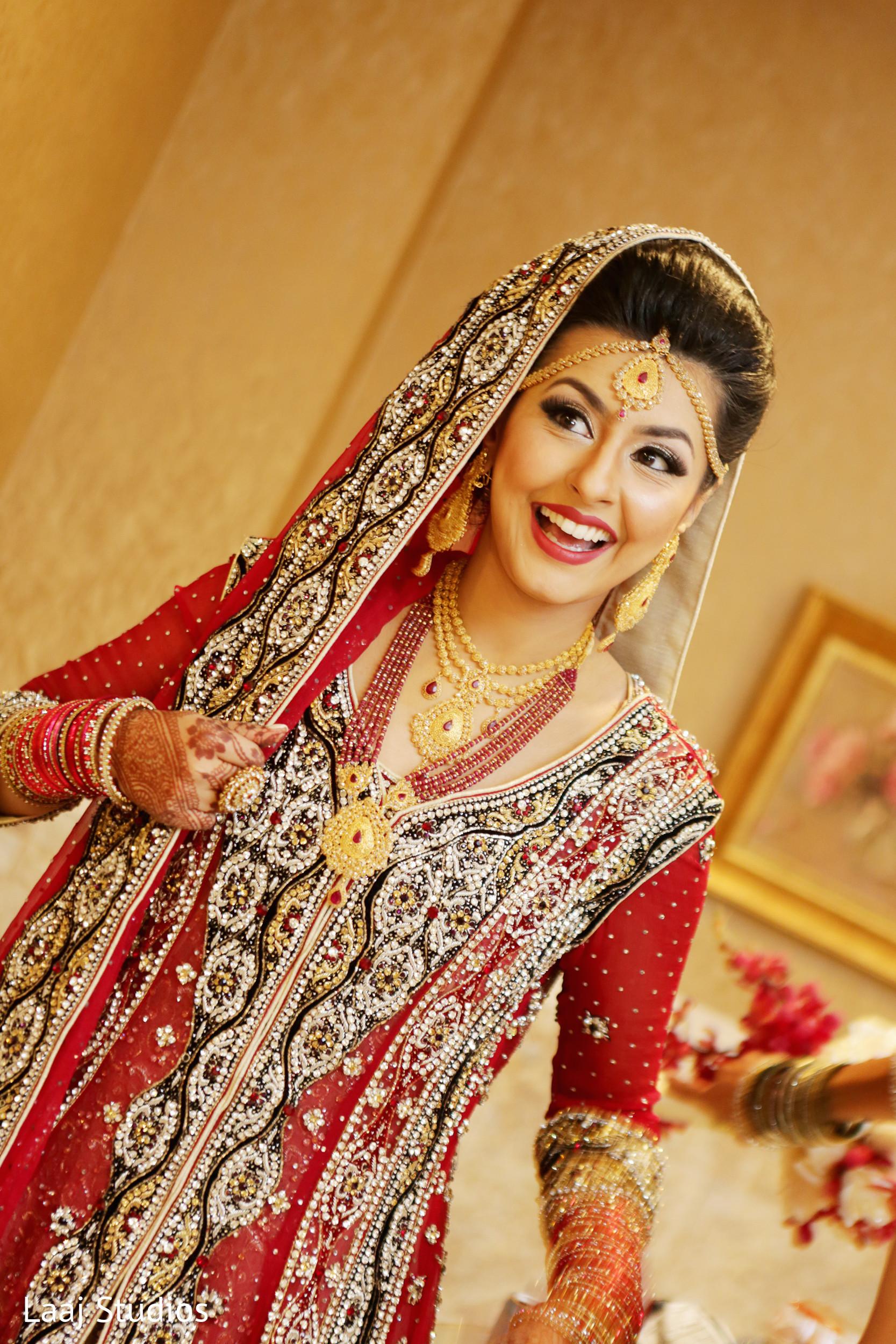 Bridal Mehndi Edison Nj : Bridal portrait in edison nj mehndi night by laaj studios