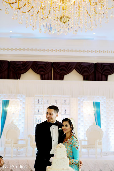 Reception photography,Indian bride and groom reception,Indian reception pictures,Indian reception photography,Indian bride and groom reception photography,reception photos,Indian wedding reception,Indian wedding reception photos,Indian wedding reception pictures,Indian wedding reception photography,wedding reception,reception,walima,valima