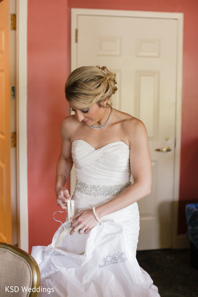 Getting Ready in Springfield, PA Indian Fusion Wedding by KSD Weddings