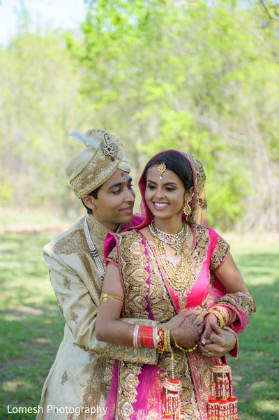 First Look in Grapevine, TX Indian Wedding by Lomesh Photography
