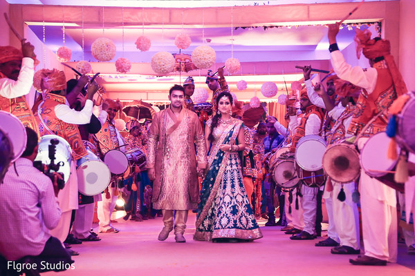 Garba in Mumbai Indian Wedding by Flgroe Studios