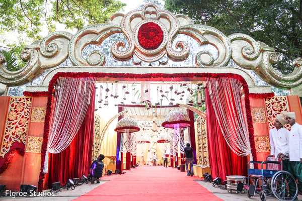 Floral decor in mumbai indian wedding by flgroe studios for Decoration job in mumbai