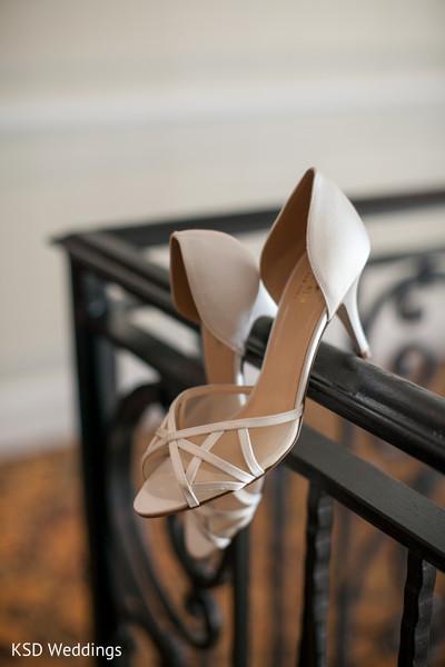 bridal accessories,Indian bridal accessories,Indian bride shoes,shoes for Indian brides,shoes for Indian bride,designer shoes for Indian brides,Indian bridal footwear,bridal footwear,shoes,bridal shoes,wedding shoes,designer shoes