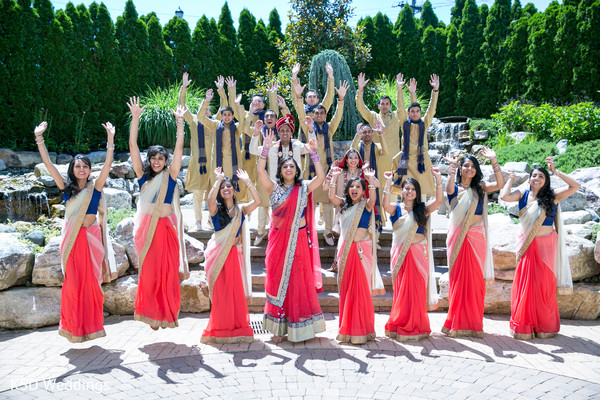 bridal party,Indian bridal party,Indian wedding party,wedding party,Indian bridal party portraits,wedding party portraits,Indian wedding party portraits,bridesmaids,Indian bridesmaids,Indian wedding bridesmaids,Indian bridesmaid outfits,bridesmaids outfits