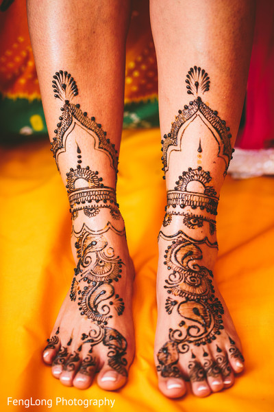 mehndi party,mehndi artist,mehndi,mehndi celebration