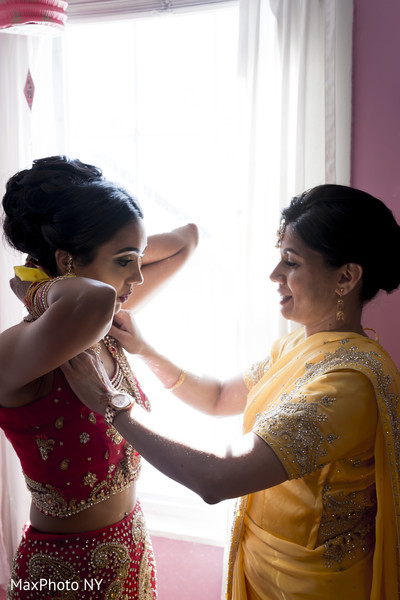 indian bride getting ready,indian bridal hair and makeup