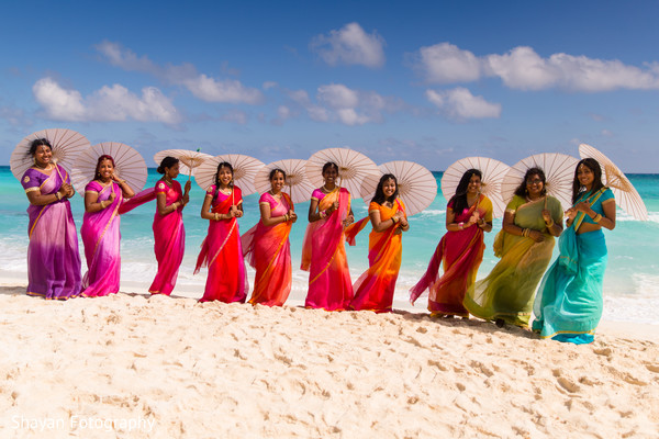 outdoor indian wedding portraits,indian bridesmaids