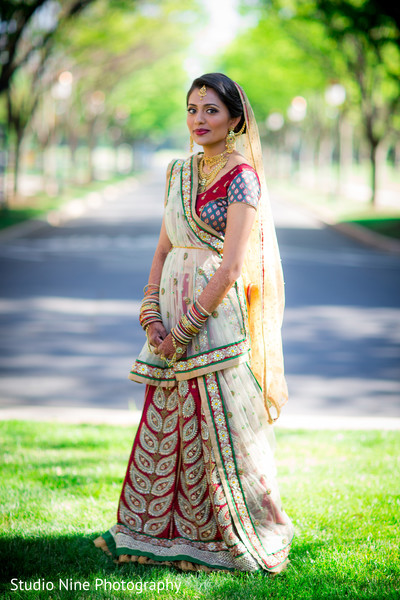 indian wedding portraits,indian wedding lengha,indian bridal fashions,indian bridal hair and makeup