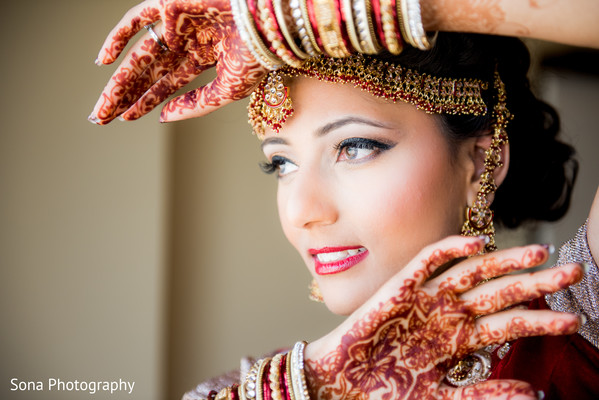 indian bride getting ready,indian bridal hair and makeup,indian wedding mehndi,indian weddings