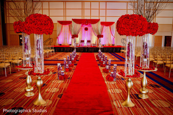 Photo in 11 Amazing Aisle Decor Ideas!