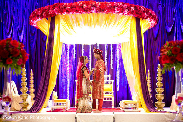 indian wedding decorators chicago 12 incredibly luxurious indoor mandaps maharani weddings 5098