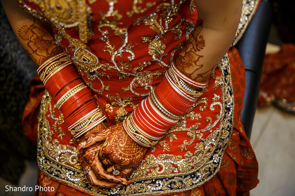 indian wedding bangles,indian wedding mehndi