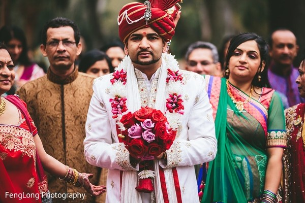 indian wedding baraat,indian groom baraat,indian groom,indian bridegroom