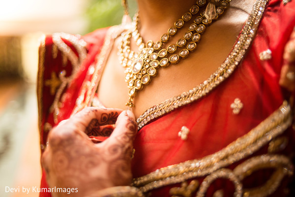 bride getting ready,Indian bride getting ready,getting ready images,getting ready photography,getting ready,Indian wedding necklace,necklace for Indian bride,necklace for Indian wedding,bridal necklace,Indian wedding necklaces