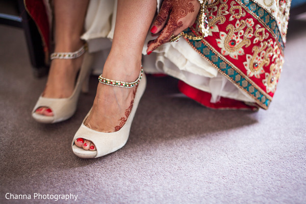 Getting Ready in Old Windsor, England Sikh Indian Wedding by Channa Photography