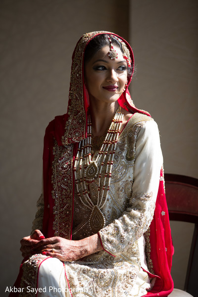 indian wedding portraits,indian bridal hair and makeup,indian wedding makeup,indian wedding necklace,indian weddings