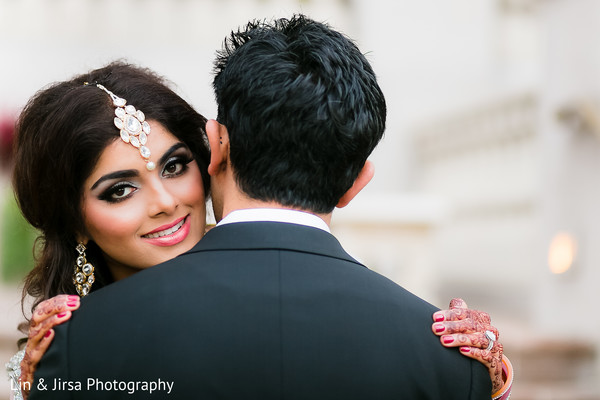 indian wedding portraits,tikka,indian bridal hair and makeup,indian bridal hair accessories,indian wedding makeup