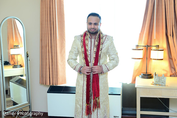 Getting Ready in Garden City, NY Indian Wedding by Qamar Photography