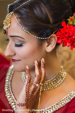 indian bride getting ready,indian bridal hair and makeup,indian wedding makeup,indian wedding mehndi