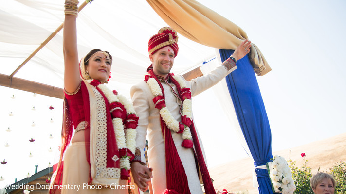 outdoor ceremony,ceremony,indian fusion wedding,indian fusion ceremony