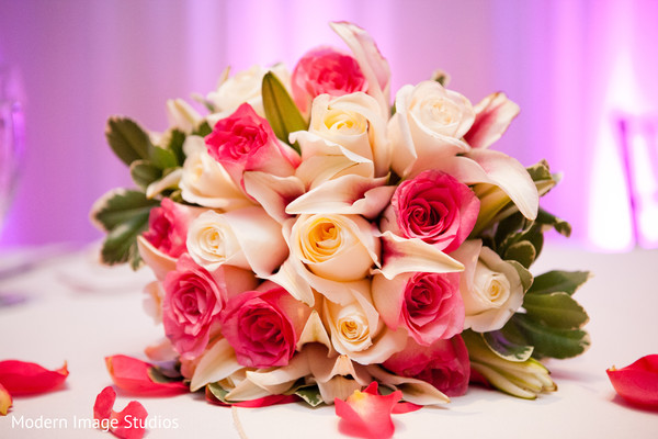 reception decor,bouquet,flowers,floral arrangement