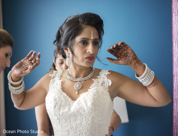 getting ready,hair and makeup,silver jewelry,silver bridal set