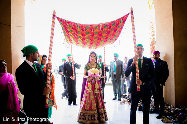 sikh,sikh wedding,sikh ceremony,bridal lengha,lengha,lengha choli,bridal bouquet