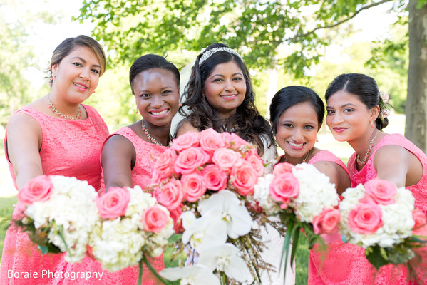 first look,first look portraits,bridesmaids,bridal bouquet,bridesmaids dresses,outdoor portraits