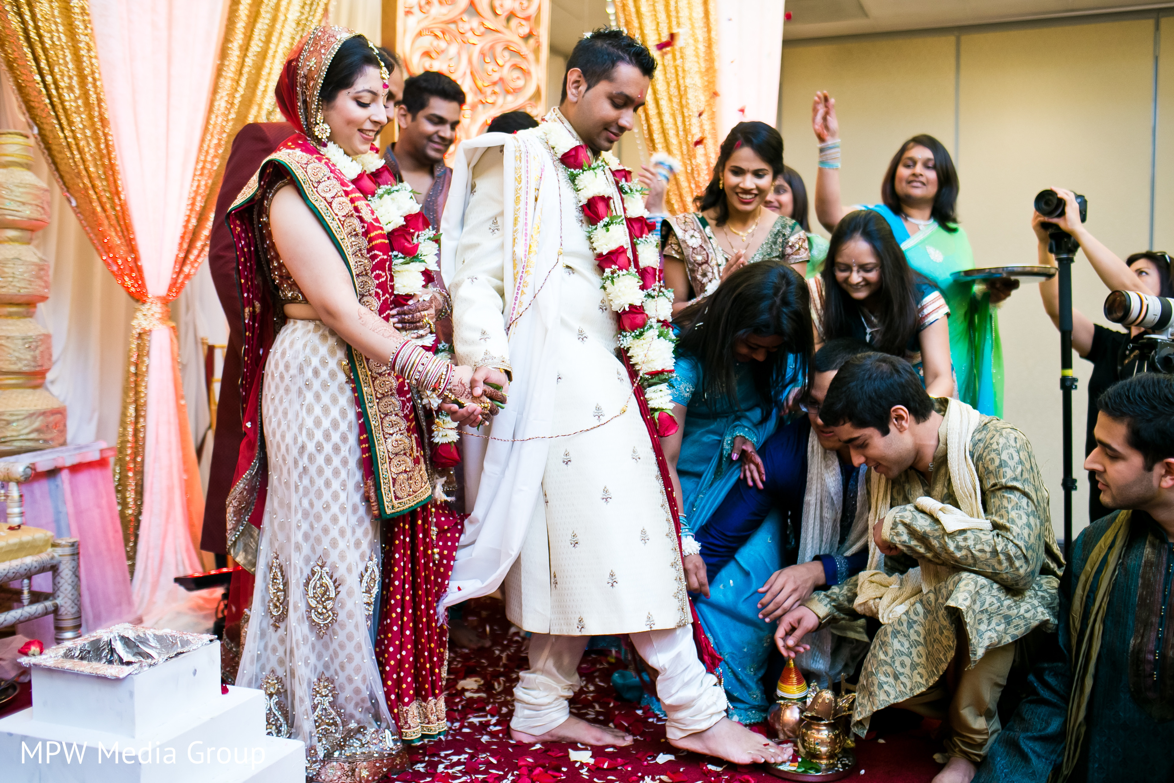 Ceremony in parsippany nj indian wedding by mpw media for Indian jewelry in schaumburg il