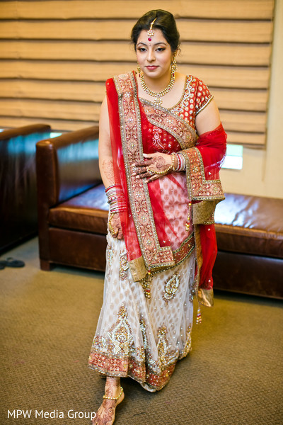 getting ready,hair and makeup,tikka,bridal lengha,lengha,bridal fashion