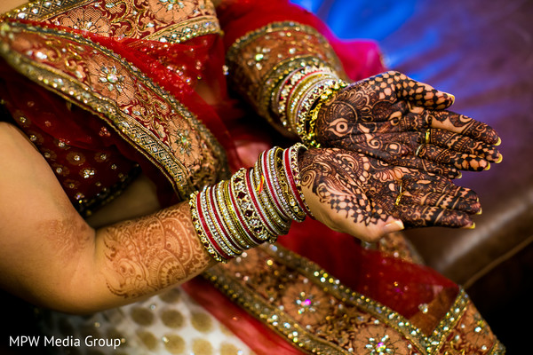 getting ready,mehndi,bangles,churis