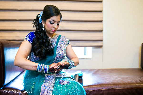 reception fashion,reception hair and makeup,sari,reception sari,bangles,flower accessory