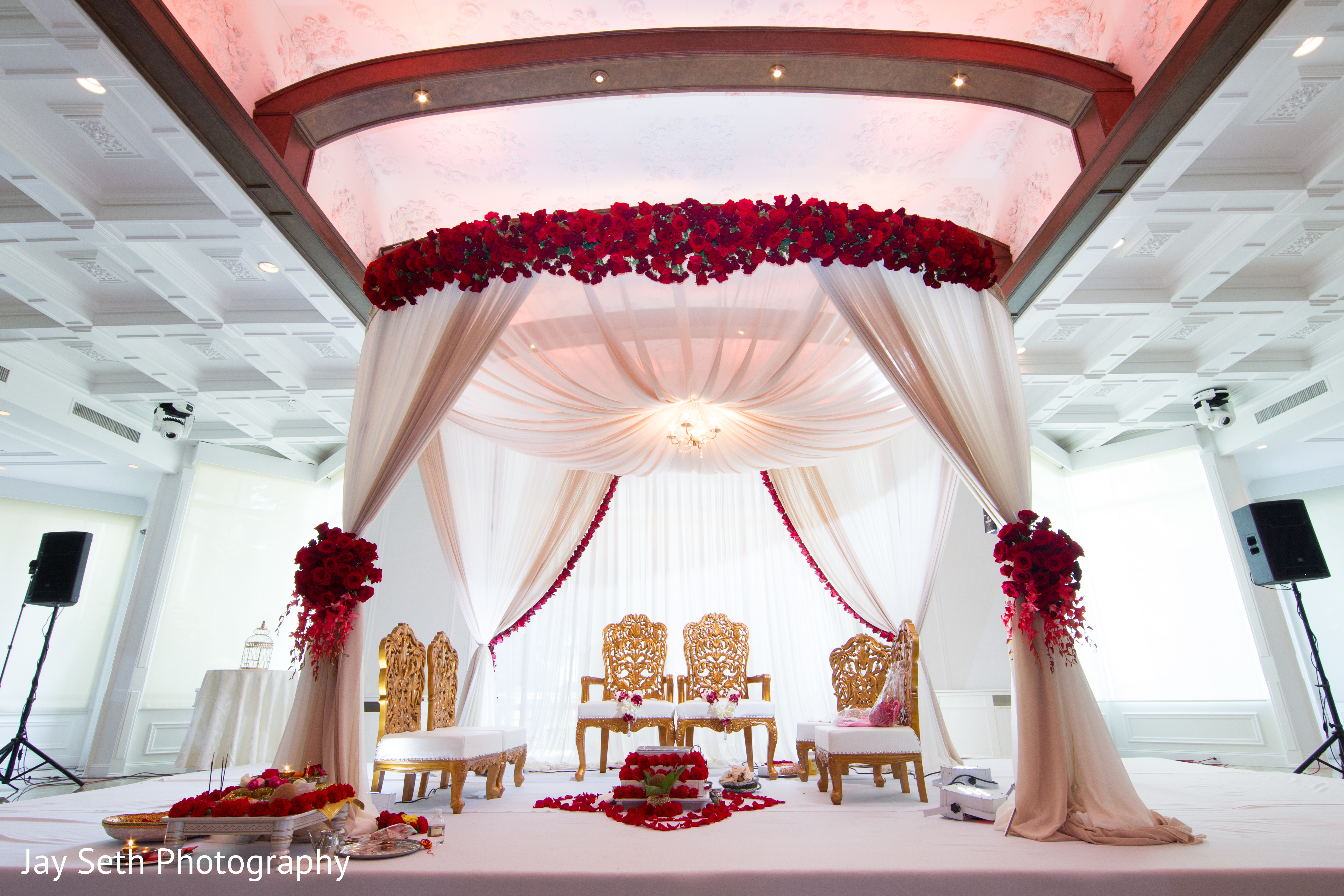ceremony in woodland park nj indian wedding by jay seth photography maharani weddings. Black Bedroom Furniture Sets. Home Design Ideas