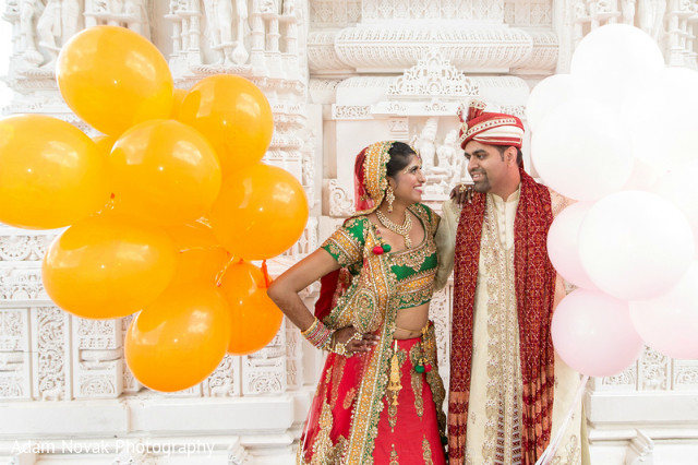 First look in rosemont il indian wedding by adam novak for Indian jewelry in schaumburg il