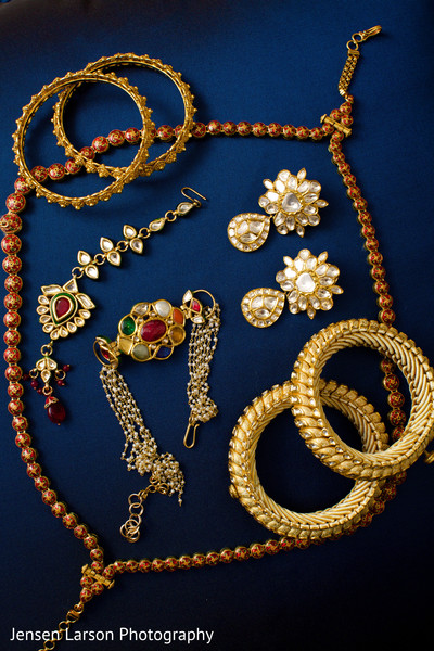 indian bridal jewelry,indian weddings,gold indian wedding jewelry