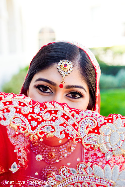 Getting Ready in San Jose, CA Indian Wedding by Janet Love Photography