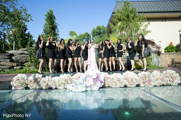 portraits,bridal party,bridesmaids,bridesmaids dresses,bridal bouquet,bouquets