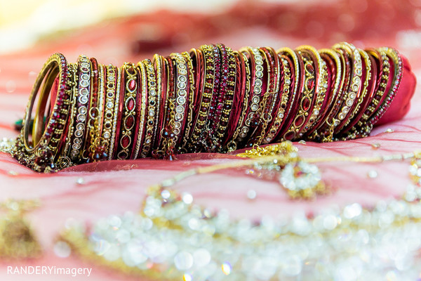 indian wedding bangles,indian bridal jewelry,indian church wedding