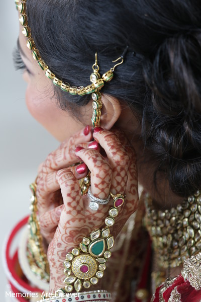 Getting Ready in St. Louis, MO Indian Wedding by Memories Are Forever