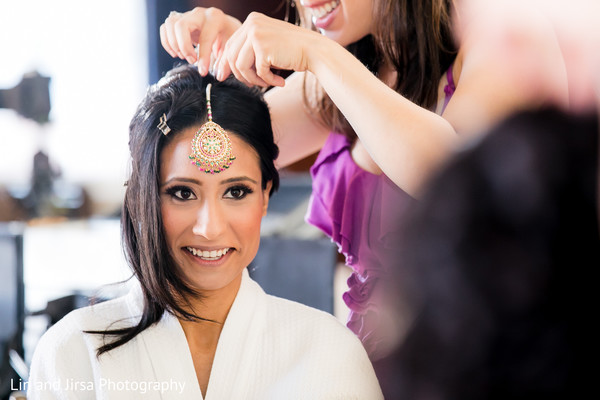 getting ready,bridal jewelry,tikka