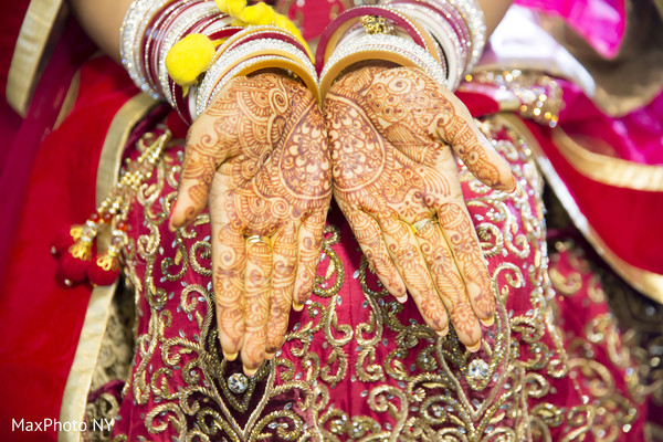Getting Ready in Queens, NY Indian Wedding by by MaxPhoto NY