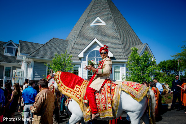 indian wedding baraat,indian weddings,indian wedding transportation,indian groom fashion