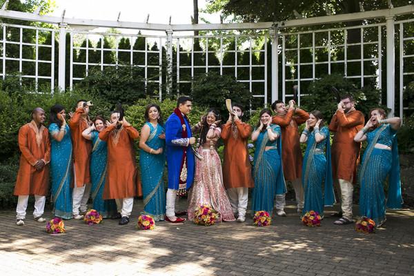 indian wedding party,indian wedding party portraits,wedding party picture,indian wedding pre-wedding photos
