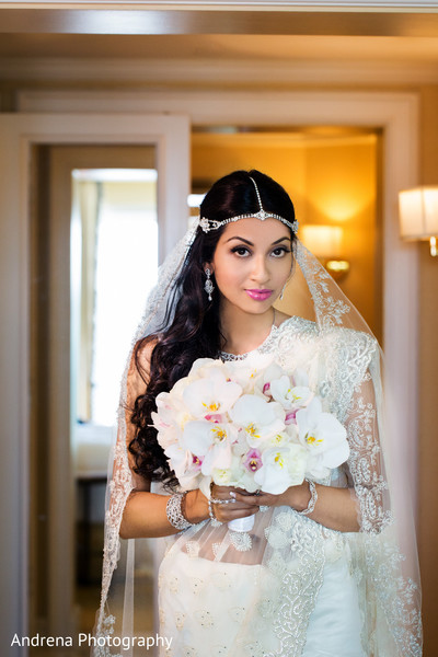 getting ready,hair and makeup,bridal jewelry,bridal bouquet,sari