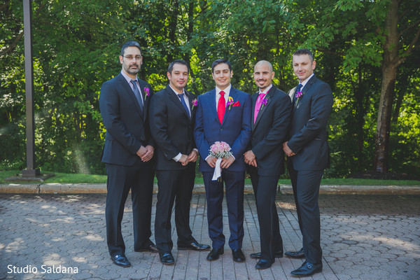 portraits,suit,suit and tie,first look,first look portraits,outdoor portraits,suits,groomsmen