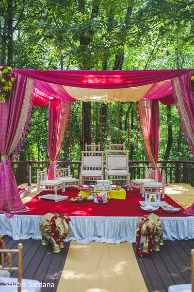 indian wedding ceremony,indian ceremony,indian wedding,outdoor ceremony,mandap,ceremony mandap
