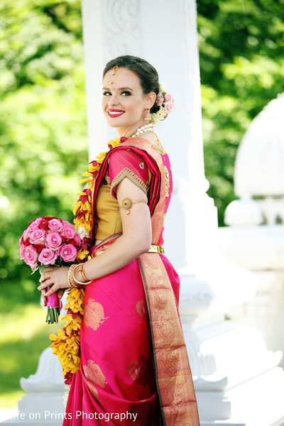 indian wedding portraits,outdoor indian wedding portraits,indian bridal bouquet,indian sari,indian bridal fashions,indian bridal hair and makeup
